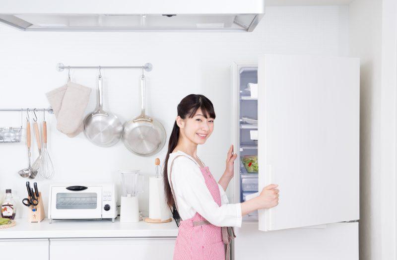 冷蔵庫とタッパー
